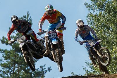 Trio jump: Lieber, Bernardini and Van Doninck