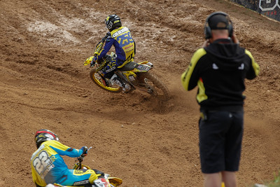 Glenn Coldenhoff and Kevin Strijbos watched by Joel Smets