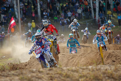 Start race 2 : Febvre takes the lead