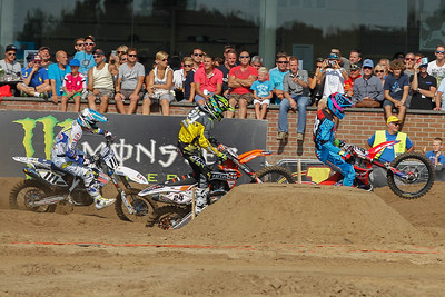 Paulin and Simpson both pass Ferris