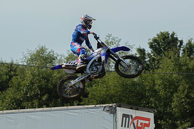 Febvre takes the lead