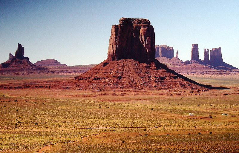 WEST MITTEN BUTTE IN MONUMENT VALLEY, UTAH.