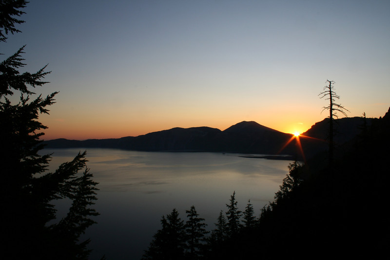 SUN RISE ON CRATER LAKE