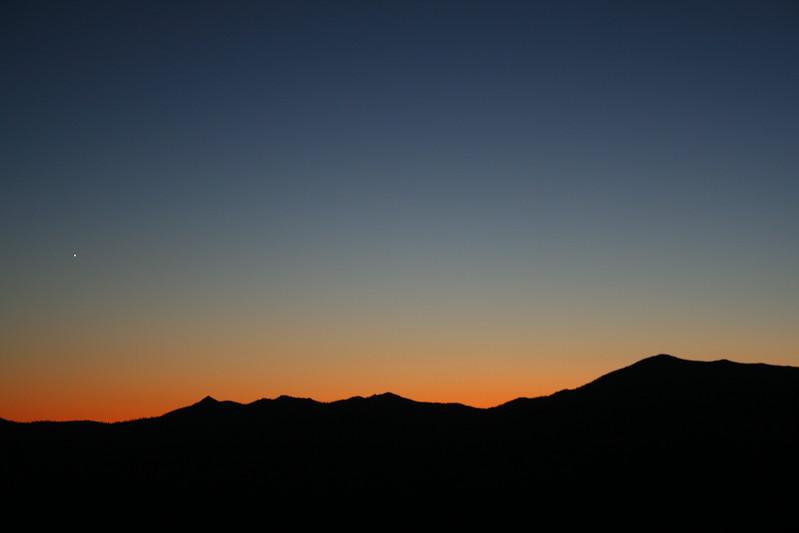 SUNSET NEAR MOUNT SHASTA