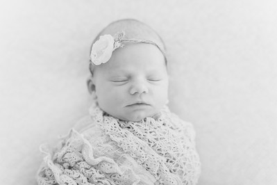 Leila,Newborn-32