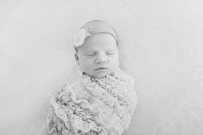 Leila,Newborn-30