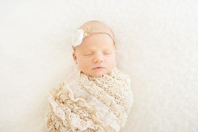 Leila,Newborn-31