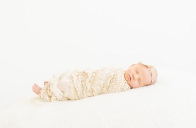 Leila,Newborn-29
