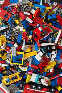 Day 298: Daddy's lego comes out to play