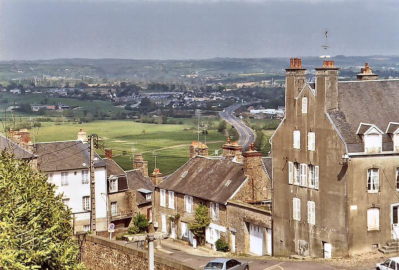 Avranches 2003 - depuis les Remparts vers Villedieu-les-Poêles