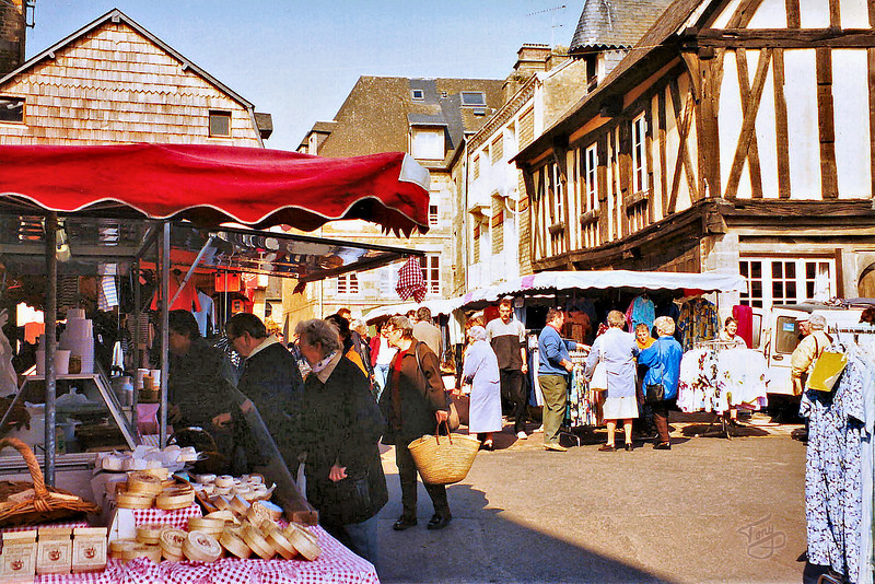 """Avranches - 2002 - le Marché <a title=""""godaddy counter"""" href=""""http://statcounter.com/godaddy_website_tonight/"""" target=""""_blank""""><img style=""""display:none;"""" src=""""http://c.statcounter.com/2514080/0/73d54fdc/0/"""" alt=""""godaddy counter""""></a>"""