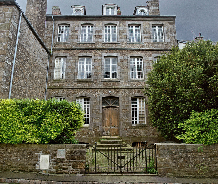 Avranches - La Vieille Ville 2003 - Rue d'Auditoire - Haunted House