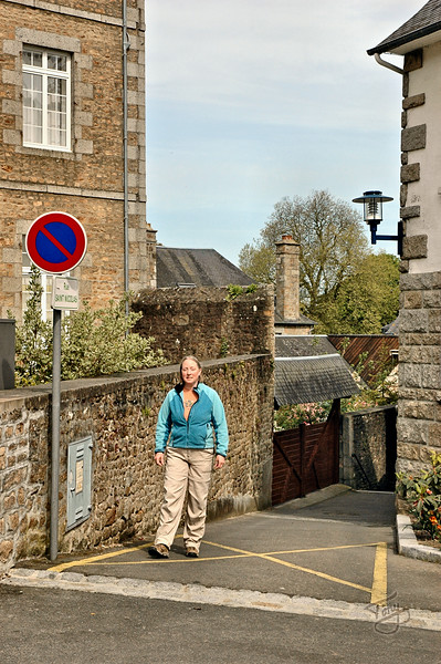 """<html>Avranches - 2009 - Rue Saint Nicholas - in places, barely 4 feet wide, with stairs <a title=""""godaddy counter"""" href=""""http://statcounter.com/godaddy_website_tonight/"""" target=""""_blank""""><img style=""""display:none;"""" src=""""http://c.statcounter.com/2514080/0/73d54fdc/0/"""" alt=""""godaddy counter""""></a></html>"""