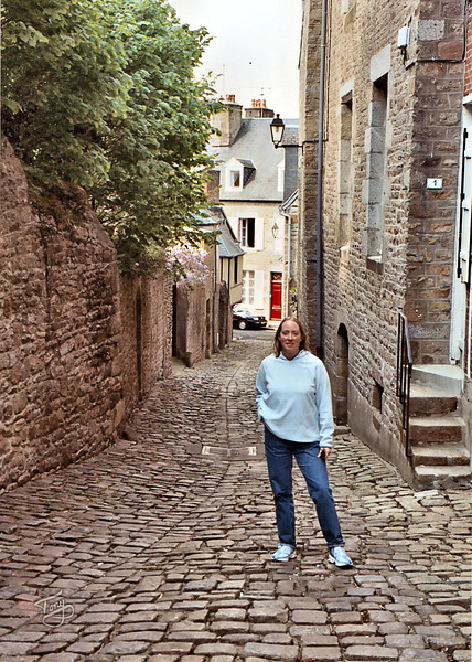 """<html>Avranches - La Vieille Ville 2003 <a title=""""godaddy counter"""" href=""""http://statcounter.com/godaddy_website_tonight/"""" target=""""_blank""""><img style=""""display:none;"""" src=""""http://c.statcounter.com/2514080/0/73d54fdc/0/"""" alt=""""godaddy counter""""></a></html>"""