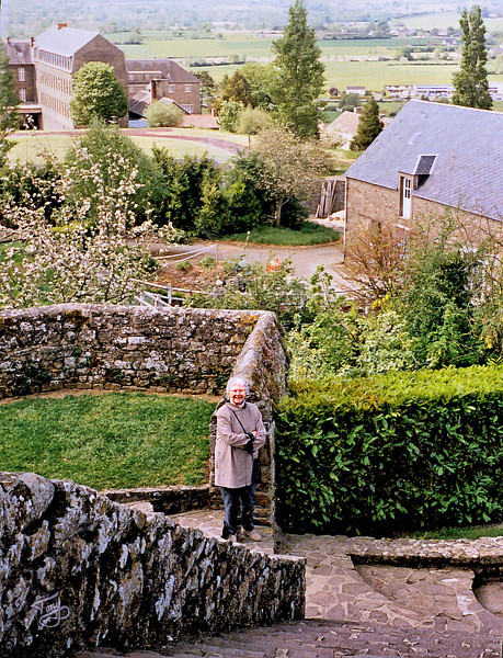 Avranches 2002 - Jardin des Plantes - Maman