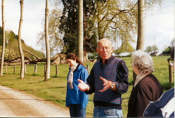 Avranches 2002 - les Mares - 1 - Jess, Gilles, and Mom