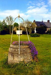 Avranches 2002 - Les Mares - Puits en Fleurs