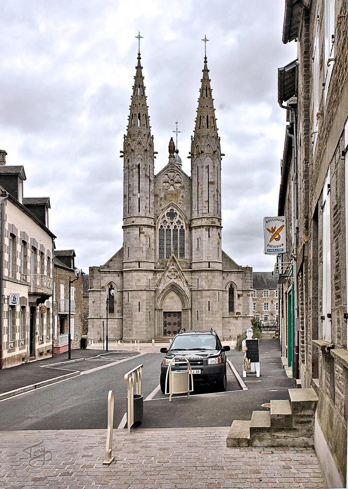 Saint-James 2006 - Église Saint-Jacques - church where my parents were married