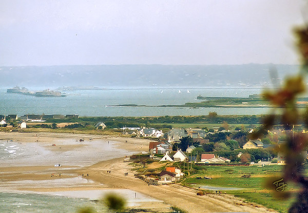 Cherbourg 2004 - La Grande Rade - world's longest man-made breakwater