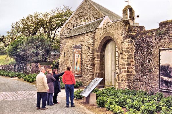 Le Cotentin 2004 - Le Manoir du Tourp - Entrance