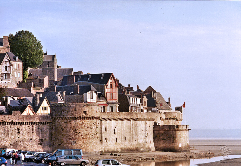 Mont-Saint-Michel 2002 - Fortified Town