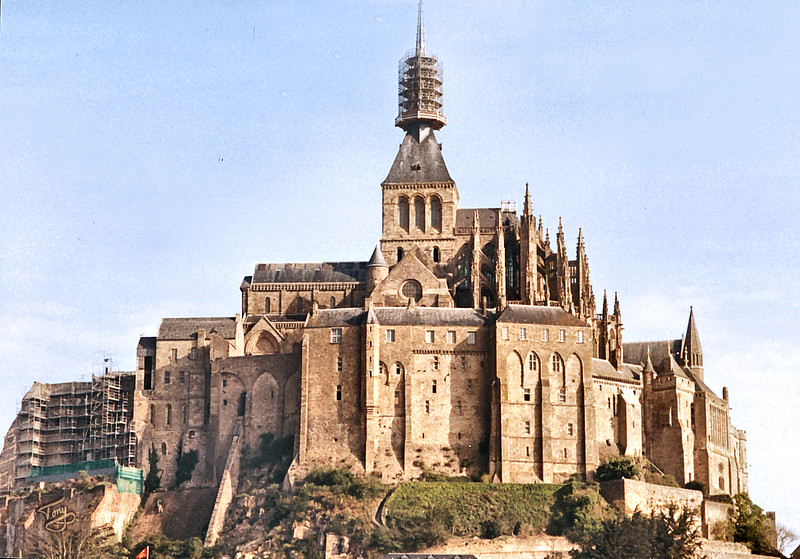 """<html>Mont-Saint-Michel 2002 <a title=""""godaddy counter"""" href=""""http://statcounter.com/godaddy_website_tonight/"""" target=""""_blank""""><img style=""""display:none;"""" src=""""http://c.statcounter.com/2514080/0/73d54fdc/0/"""" alt=""""godaddy counter""""></a></html>"""