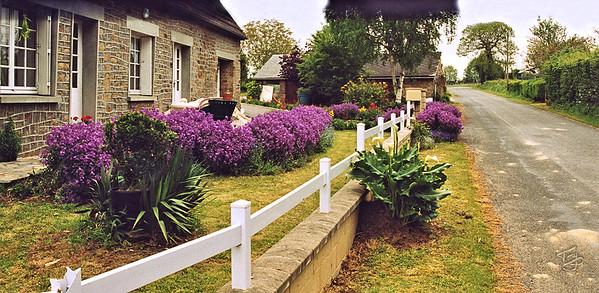 Le Val-Saint-Père 2004 - Typical House and Garden