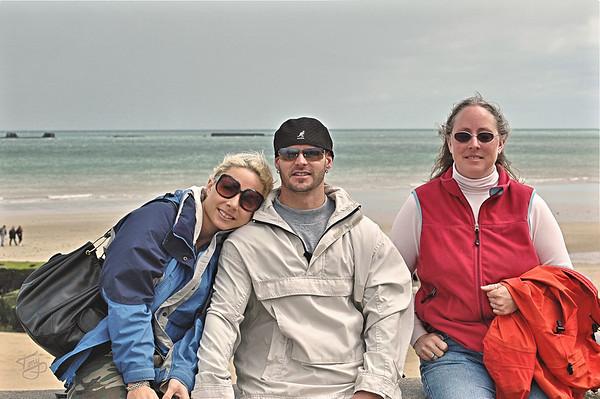 Arromanches 2006 - Jess, Bobby, and Judy