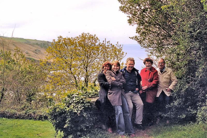 Le Cotentin 2004 - Catherine, Yasmine, Hervé, Rolande, et Papa