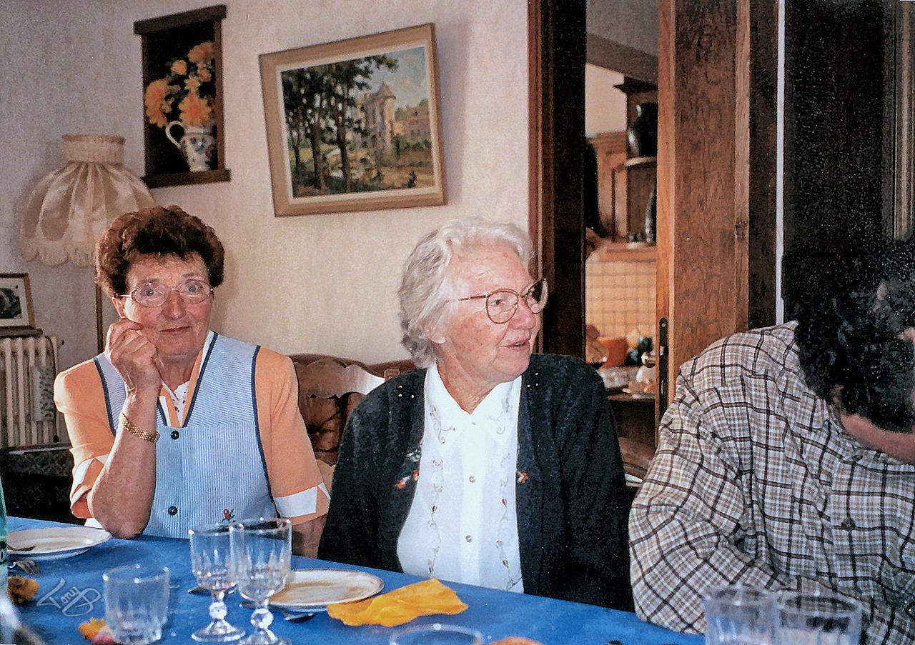 Chez Rolande 2002 - Rolande, Maman, et Ivan