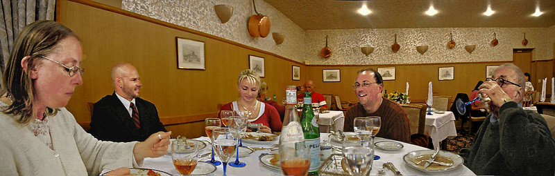 Pontorson 2006 - Aux Treize Assiettes - Judy, Bobby, Jessie, Father Mark, and Papa