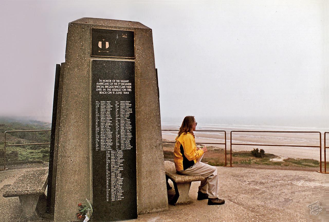 Omaha Beach 2002 - 5th Engineers Memorial
