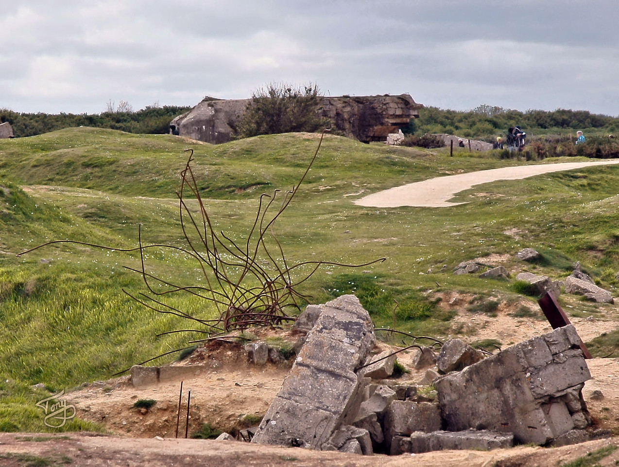 Pointe-du-Hoc 2006 - Study in Broken Stone and Twisted Steel