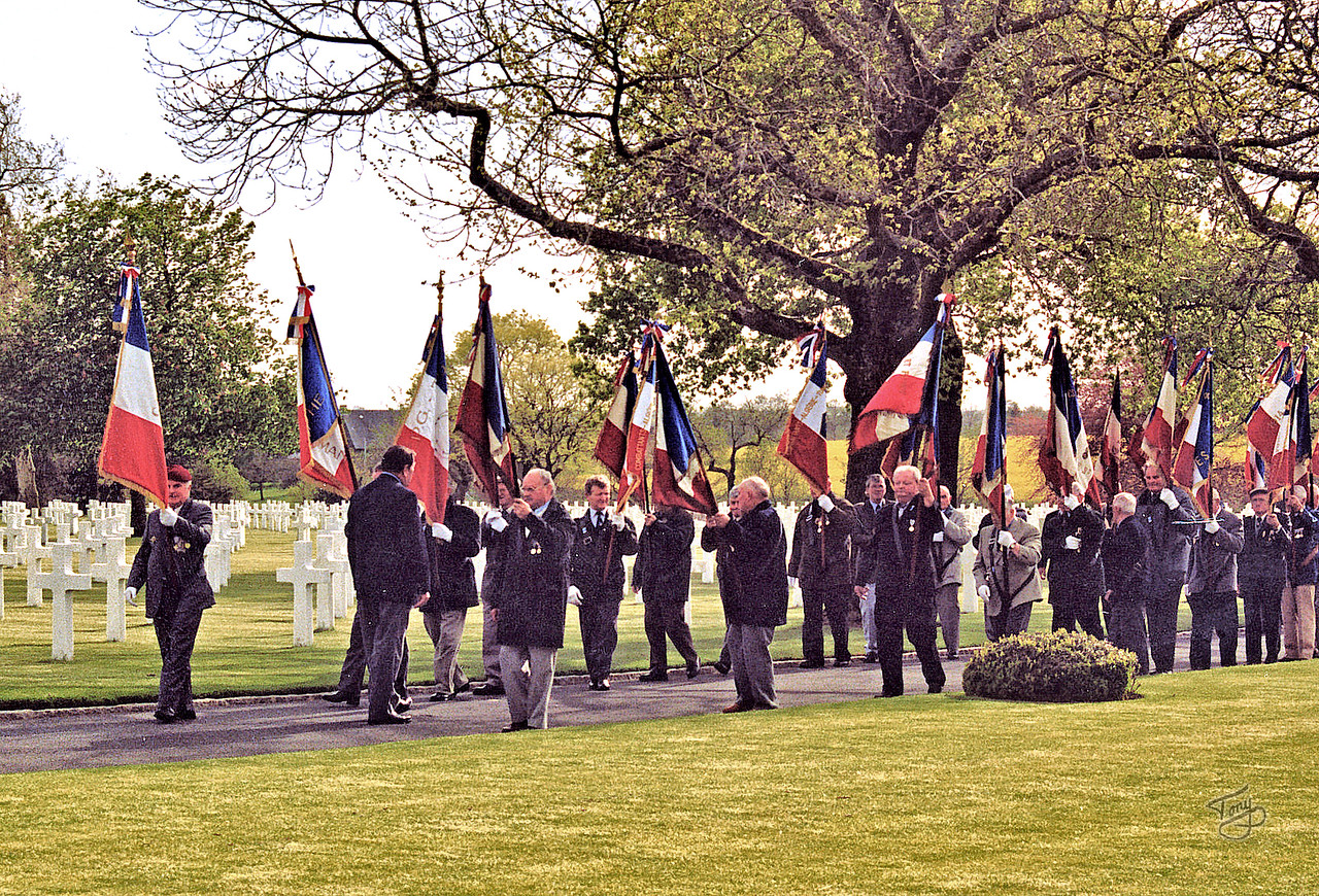 "Brittany American Cemetery 2004 Memorial Day - Procession back to the Chapel <a title=""godaddy counter"" href=""http://statcounter.com/godaddy_website_tonight/"" target=""_blank""><img style=""display:none;"" src=""http://c.statcounter.com/2514080/0/73d54fdc/0/"" alt=""godaddy counter""></a>"