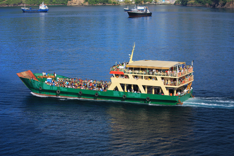a St Vincent Independence Day party ferry heading on over to Mustique island