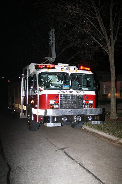 Mount Prospect Fire Department code 4 House Fire 1512 N. Larch Drive 2 Teens Jump Out Window Before Fire Engulfs House 11/26/2008