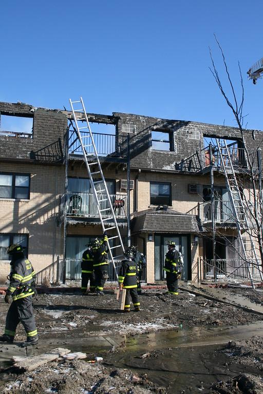 Sauk Village Fire Department 2-11 Alarm Fire 3 Story 6 Unit Apartment Building  Below Zero Temps 01/20/08
