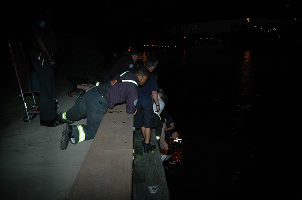 CFD Squad 1 Dive Call Man In The River
