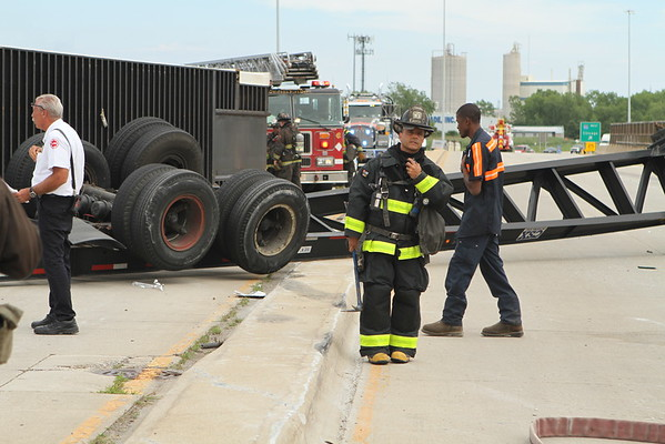 Chicago  Fire Department Level 1 Haz-Mat Rolled Over Semi 130th & Bishop Ford