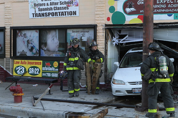 Chicago Fire Department Level 1 Haz Mat  2800 W Roosevelt Car Into Building Knocked Off Gas Meter
