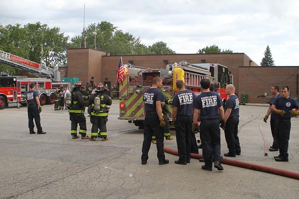 Chicago Fire Department Live Burns Oak Lawn ( Fire Academy 2016 )