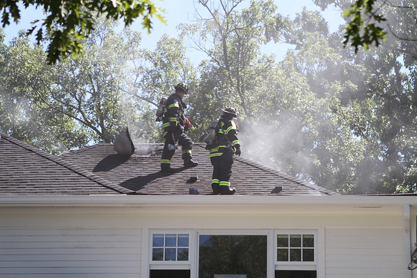 Wilmette Fire Department Code 4 House Fire 1300 Blk Of Ashland Ave  ( Attic Fire )