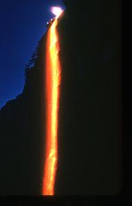 Yosemite_GlacierPointeWaterfall_06-50