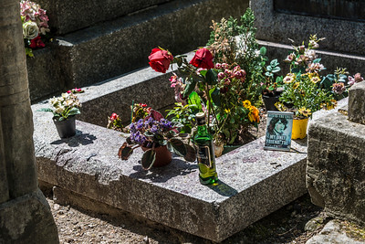 Jim Morrison (of the Doors) Gravesite in Paris, France