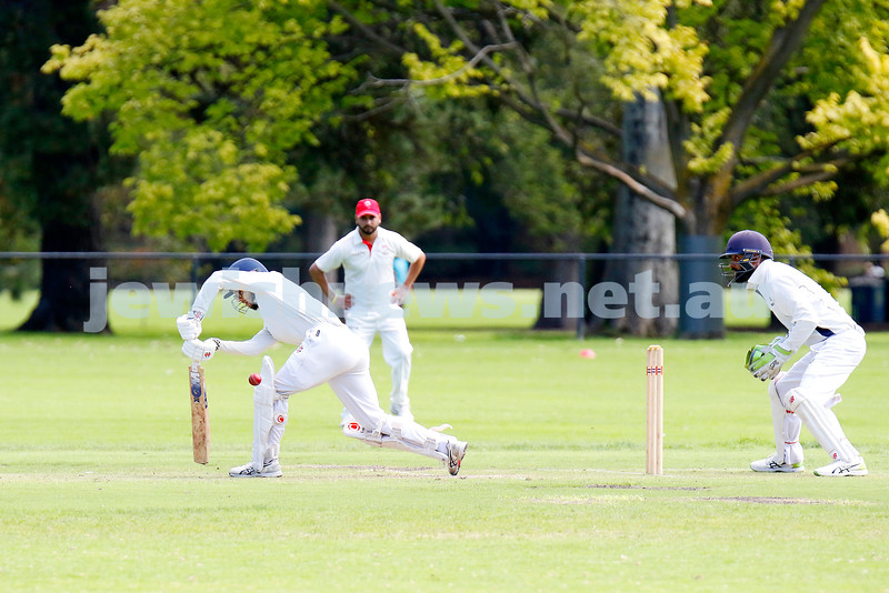 28-3-21. Maccabi AJAX First XI grand final. Defeated by Melbourne Cobras at Fawkner Park. Ben Machlin batting. Photo: Peter Haskin