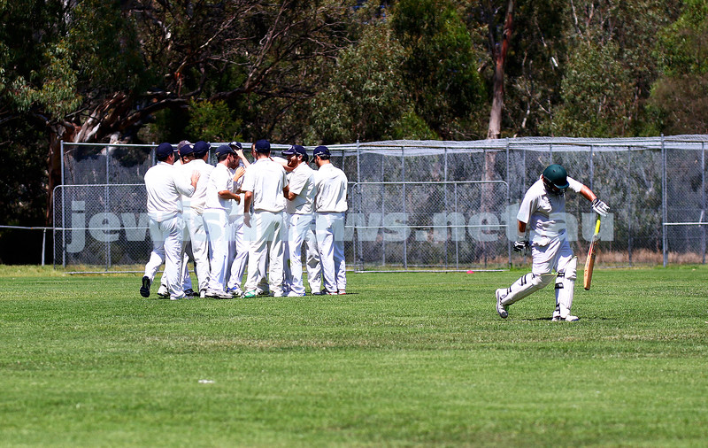 21-2-16. Maccabi Cricket First XI v Burnley. Photo: Peter Haskin