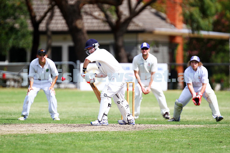15-2-15. Maccabi Cricket First XI v Emmanual South Oakleigh. Eitan Epstein. Photo: Peter Haskin