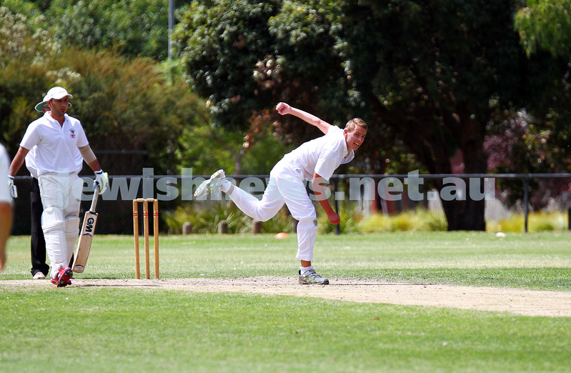 15-2-15. Maccabi Cricket First XI v Emmanual South Oakleigh. Josh Jones. Photo: Peter Haskin
