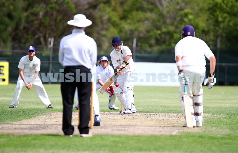 15-2-15. Maccabi Cricket First XI v Emmanual South Oakleigh. Eytan Epstein. Photo: Peter Haskin