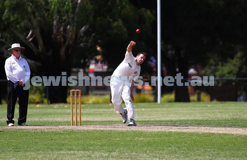 15-2-15. Maccabi Cricket First XI v Emmanual South Oakleigh.  Jonathan Zimmet. Photo: Peter Haskin